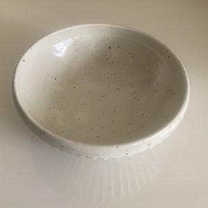 粉引き削り美濃焼の白い器